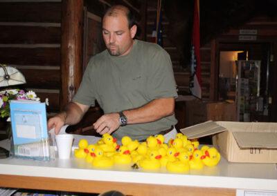jeff setting up the ducks